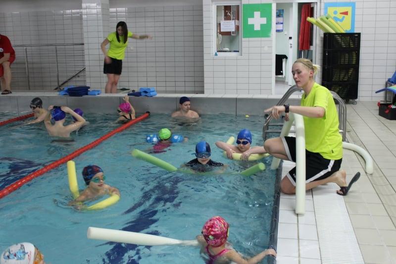 Nauka pływania - ćwiczenia dla początkujących