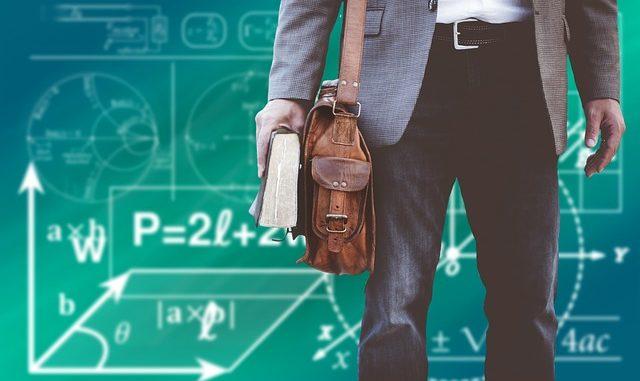 Torby na uczelnie - co powinna posiadać torba dla studenta?