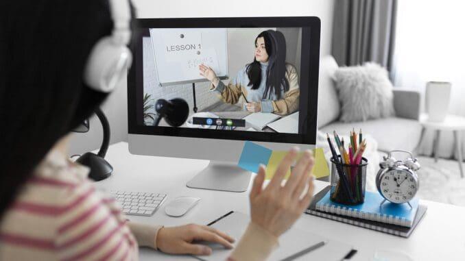 5 powodów, dla których warto uczyć się angielskiego przez Skype